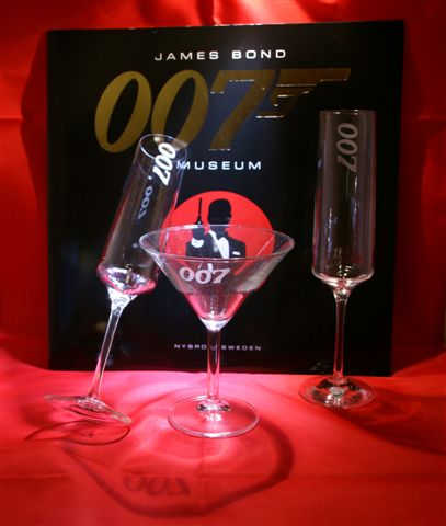 007 Design Collection Dry Martini, Champagneglass 007 Design Collection Dry Martini, Champagneglass from James Bond 007 Museum and Gunnar Schäfer.