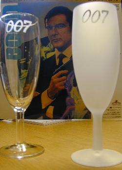 007 champagneglas  frosted