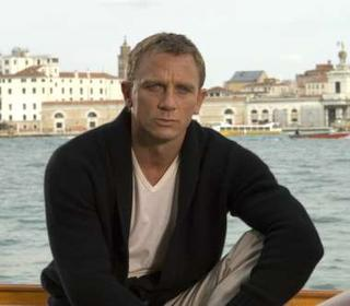 Daniel Craig has reportedly extended his contract to four new James Bond films following the 2006 blockbuster Casino Royale...